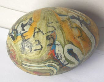 A Hand Painted 1932 Easter Egg A18