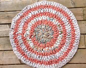 """Pink, White, and Blue Marbled 25"""" Circular Rag Rug"""