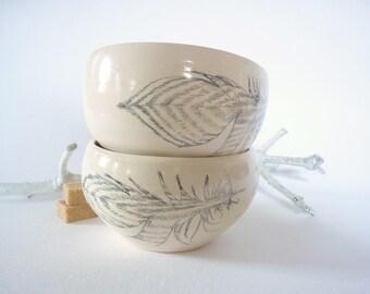 deux  bols en céramique,dessin plume,tasse expresso,bol a thé, fait-main, bol dessiné,bol d'artiste,cadeau art,ateliertriburouge