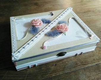 Chic jewelry box