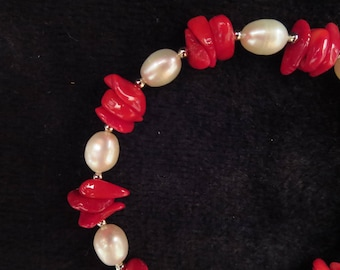 """""""vacation"""" bracelet with coral beads"""