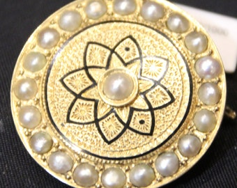 Gold brooch Pearl brooch French antique jewelry Round brooch Fine estate jewelry Luxury gift ideas Statement jewelry 18K Gold Pearl jewelry