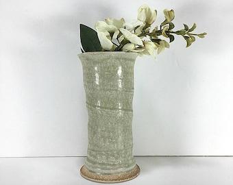 Green Cylinder Flower Vase, Green Vase, Cylinder Vase, Mod Vase, Minimalist Vase, Modernist Vase, Mod Decor, Green Decor, Bud Vase, Pottery
