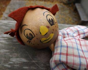 Vintage Angleterre PELHAM rouge poil garçon bois marionnettes sans cordes et traits du visage insolite paddle