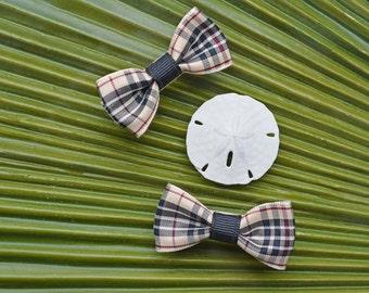 Modern Bow Alligator Clip in Preschool Plaid // Bow Tie Hair Clip // Hand Sewn Grosgrain Bow Tie Clip