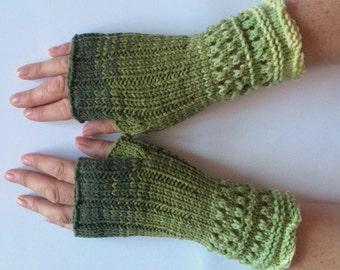 Fingerless Gloves Salad Green Moss wrist warmers