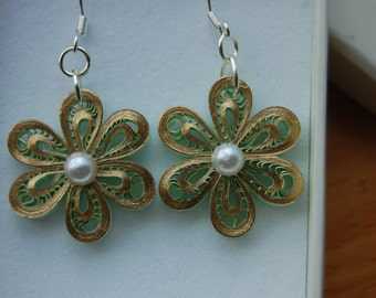 Quilled Light Green with Gold Metallic Edge Earrings