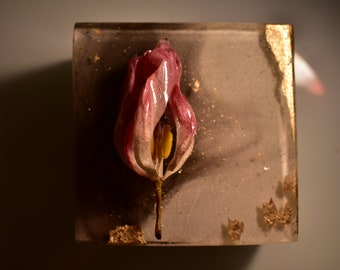 Resin Sculpture Artwork, Tulip and Gold