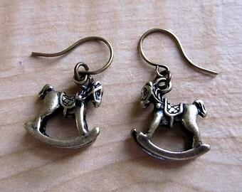 Roll Roll Rol - Rocking horses earring