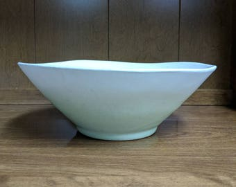 Royal Haeger Art Pottery, Serving Bowl, #3177, Matte Finish, Celadon Green, Mid-Century, Modern