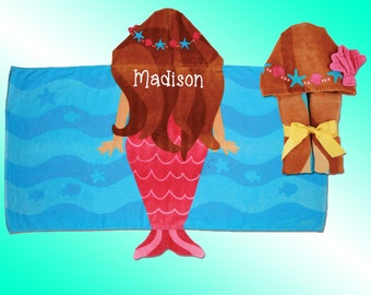 Hooded Beach Towel - Personalized and Embroidered - MERMAID