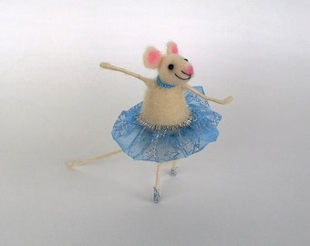 Felted mouse, Mouse ballerina, Felt animal, Birthday cake topper, Cute dancing mouse, Waldorf toy, Miniature animal, Handmade, Eco toy, Gift