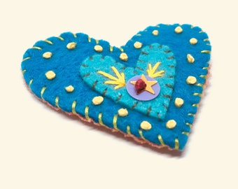 Felt heart brooch, embroidered heart pin, felt embroidery, valentines jewelry, folk art jewelry, colorful heart brooch, embroidered felt