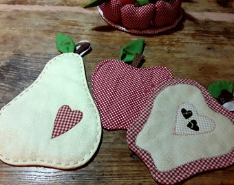Fruit-shaped pot holders