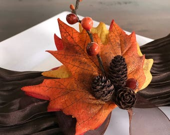 Autumn Napkin Ring with Pinecone and Berry - Fall -Thanksgiving -Table Decoration