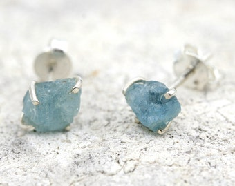 Raw Aquamarine Stud Earrings, Aquamarine Earrings, Raw Gemstone Earrings, Natural Stone Earrings, Aquamarine Stud Earrings, Raw Aquamarine