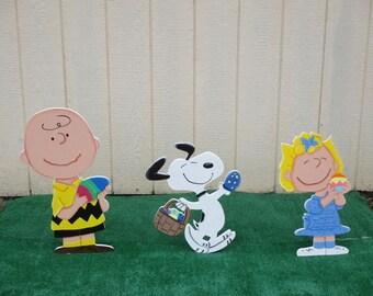 Peanuts Easter Yard Art