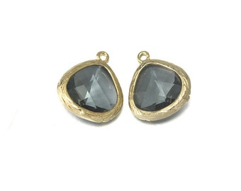 Black Diamond Glass Pendant . Jewelry Craft Supplies . 16K Polished Gold Plated over Brass  / 2 Pcs - CG004-PG-BD