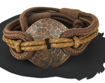 Mocha Brown Braided Vinyl & Nylon Rope Vintage 80s Belt with Copper Brass Circle Center