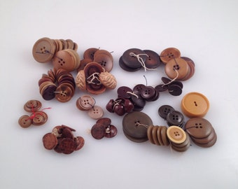 Vintage buttons lot
