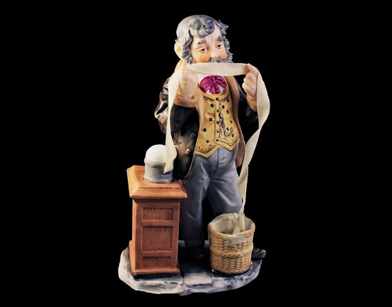 Museo Seymour Mann Figurine, Stockbroker, Statue, Retired, Porcelain, Handpainted, 1973 Collectible