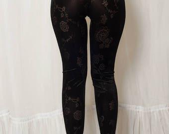 Schwarz samt Blumen Leggings mit transparenten Blumen. Gothic Leggings durchschauen Clubbing Leggins. Hohe Taille samt benutzerdefinierte Leggings.
