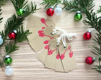 10 Christmas Gift Tags with red mittens - Kraft Tags, White Tags, Christmas Gift Wrap, christmas favor tags, family gift tags, tags