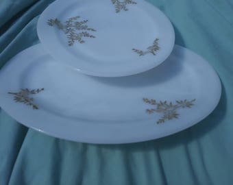 Set of Two Federal Glass Golden Glory Serving Platters