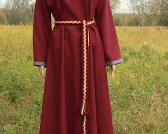 SALE Early Medieval linen underdress gown, Maroon SIZE S   100% linen. Viking costume, reconstruction.
