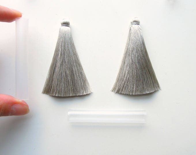 2 Silver Gray 7 cm jewellery tassels , Silky mala silver grey jewelry tassels. Gray silver jewelry tassels 7 cm tassels with protective tube