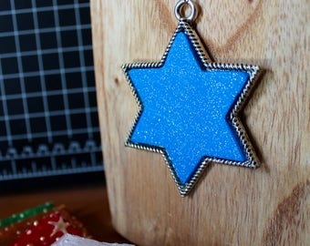 Framed Blue glitter star of David necklace