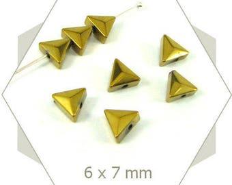 40 beads hematite 6mm Golden PK36 triangles
