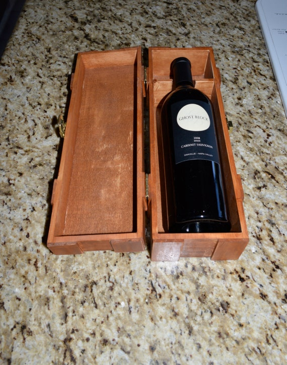Maple Stained wooden WiNE BoTTle BoX, wedding gift, maple stained, wine gift box, rustic, shabby chic wine box