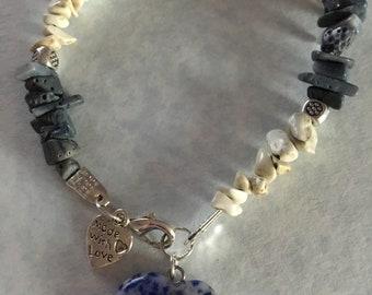 Sodalite and howlite bracelet