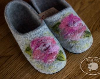 60th birthday Gift for mum House Shoes Gray felt slippers Wool Slippers Woolen Clogs House Slippers Felt shoes with Flowers Felted slippers