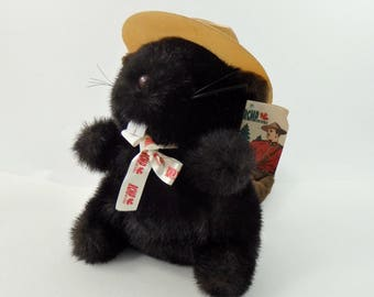 Vintage 80s RCMP Beaver Plush, RCMP Collectibles, Royal Canadian Mounted Police, Beaver Gifts, Beaver Toy, RCMP Gifts, rcmp Toy