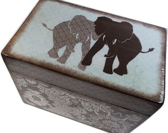 Recipe Box, Wood Recipe Box, Decoupaged Recipe Box, Elephant box, Wedding Recipe Box, Bridal Shower Box, Holds 4x6 Cards, MADE TO ORDER