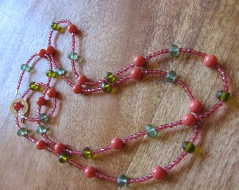 Mermaid Necklace in coral, green and Acquatönen