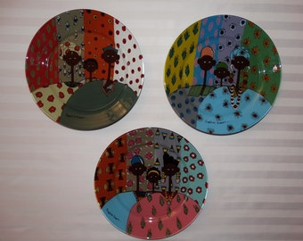 Set of three dinner plates handpainted - African designs