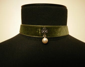 Velvet, cross and Pearl Necklace