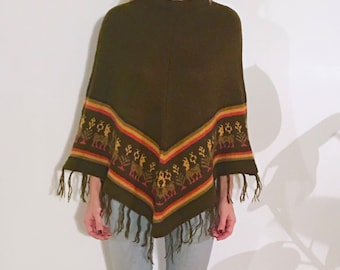 FARAH Peruvian Poncho, Soft Material, Forest Green with Tribal Pattern at Hem, Authentic Market Buy (Cusco, Perú)
