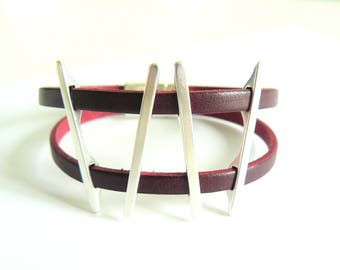 Graphic Burgundy & silver bracelet - leather straps - magnetic clasp
