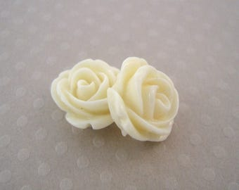 Set of 2 roses in ivory resin 13 mm - en-0161