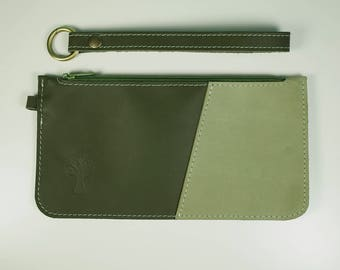 MAISI - Small clutch in Green and imitation snake or light moss green leather 21 x 11 cm