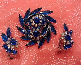 Vintage Juliana (DeLizza and Elster) Blue Floral Brooch and Earring Set