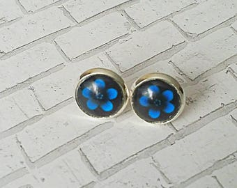 Blue Flower Stud Earrings, Blue Flower Earrings, Gifts for her, Stud Earrings, Hypoallergenic, Flower Earrings, Daisy Earring, 10mm, Blue