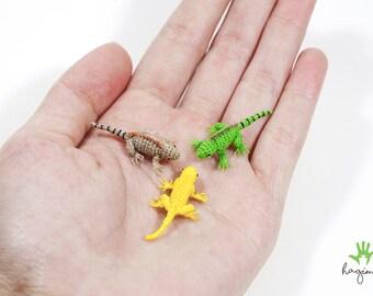 Micro crochet iguana, miniature iguana, crochet lizard, tiny amigurumi animals