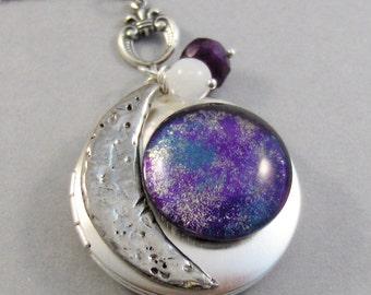 Purple Moon,Purple Necklace,Purple Locket,Purple,Galaxy Necklace,Galaxy Locket,Blue Necklace,Moon Locket,Star Locket,Star,Moon,Moon Necklace