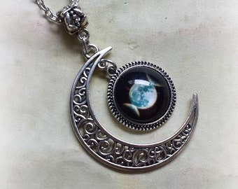 Triple Goddess Necklace, Filigree Moon Necklace, Crescent Moon, Moon Jewelry, Witchcraft Supply, Witch Jewelry, Moon Necklace, Wicca