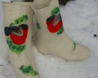 """Socks made of felt handmade """"Bullfinches"""""""